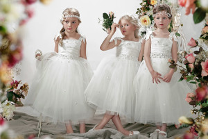 flower-girl-etiquette-and-flower-girl-duties