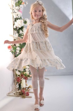 A-line sleeveless dress with handmade flower décor